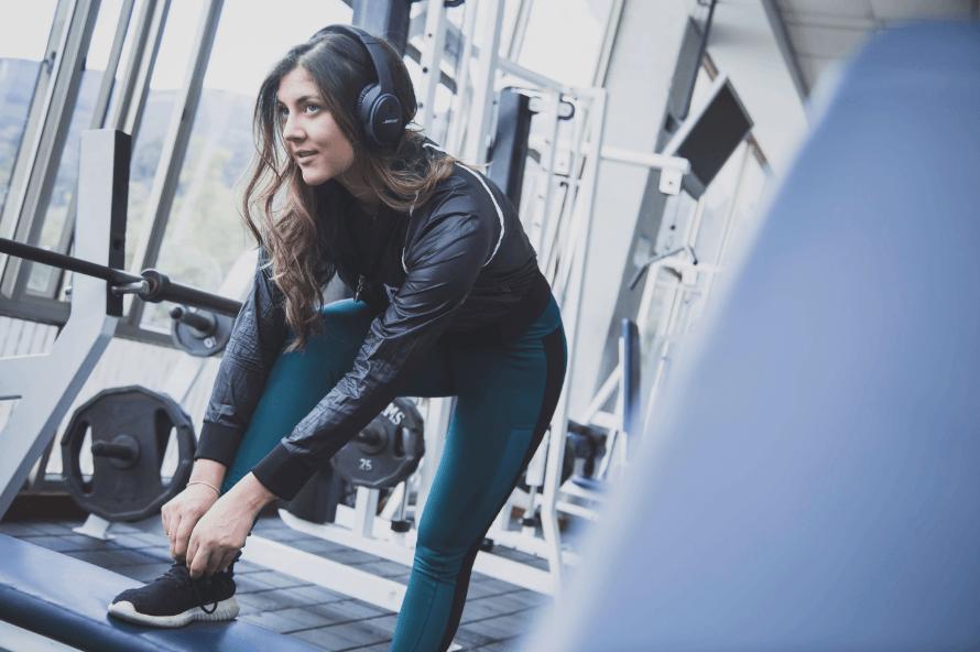 girl at gym workout